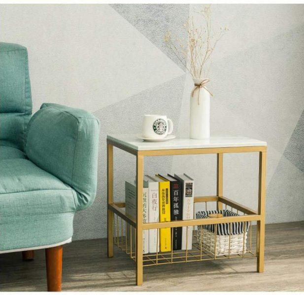 Utiliser la table basse carrée en marbre pour une décoration en forme de canapé d'angle